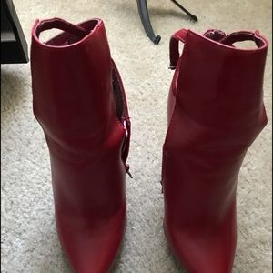 PENNY LOVES KENNY RED  HIGH HEEL BOOT